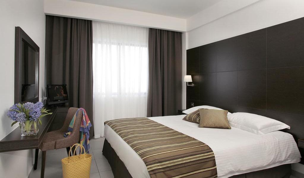 Superior-One-Bedroom-Apartment-min