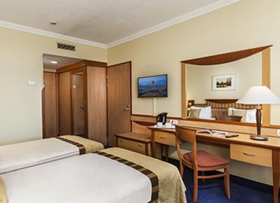 Superior Plus Room3