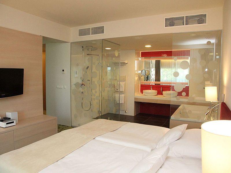 Superior Romantic Suite2
