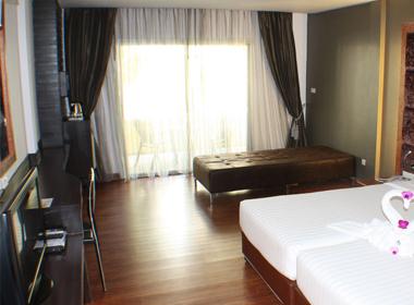 Superior Room4