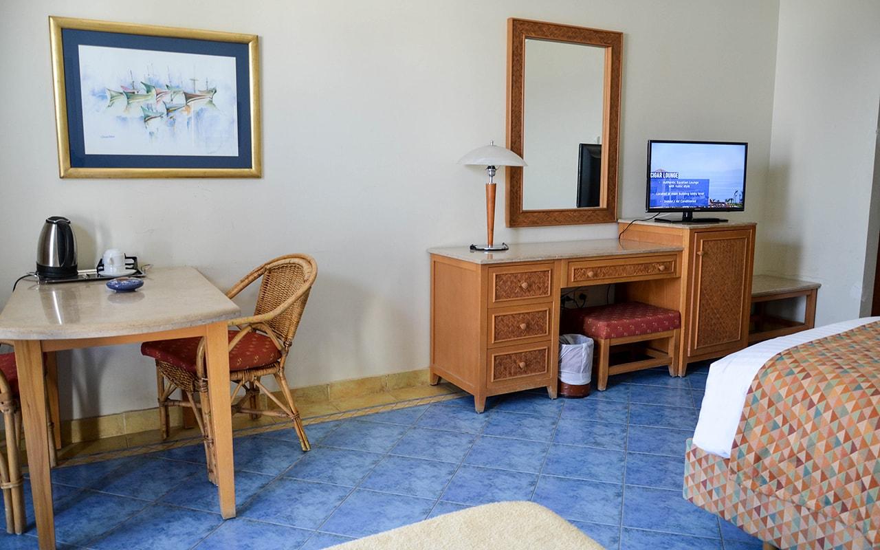 Superior Sea View Room_05-min