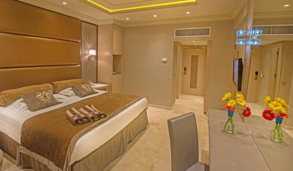 Superior Triple Room (4)