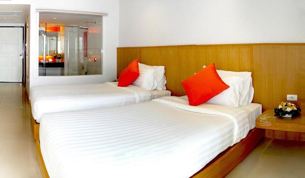 Superior-Twin-Room-2-min