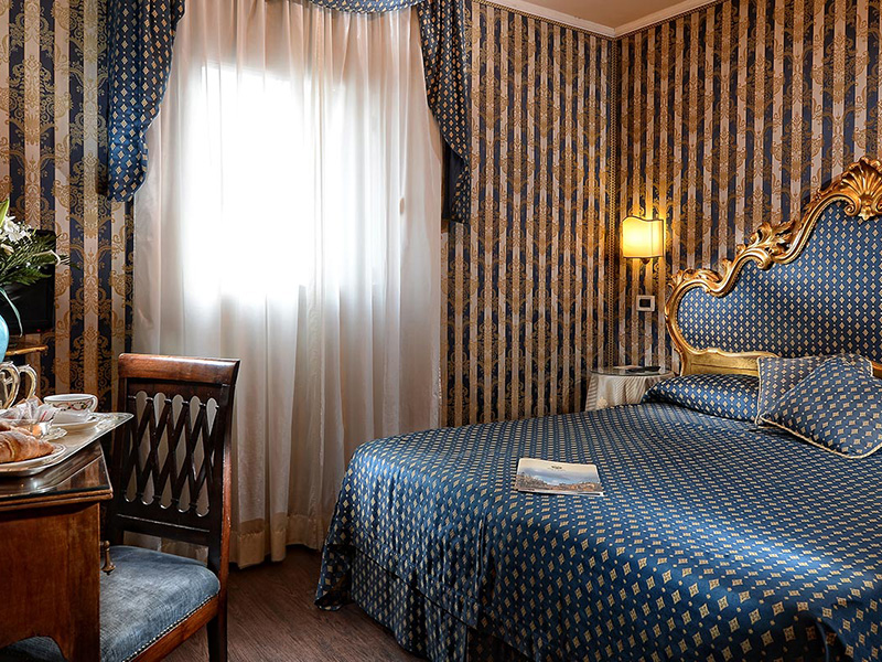Superior room with view of Saint Mark's Square2
