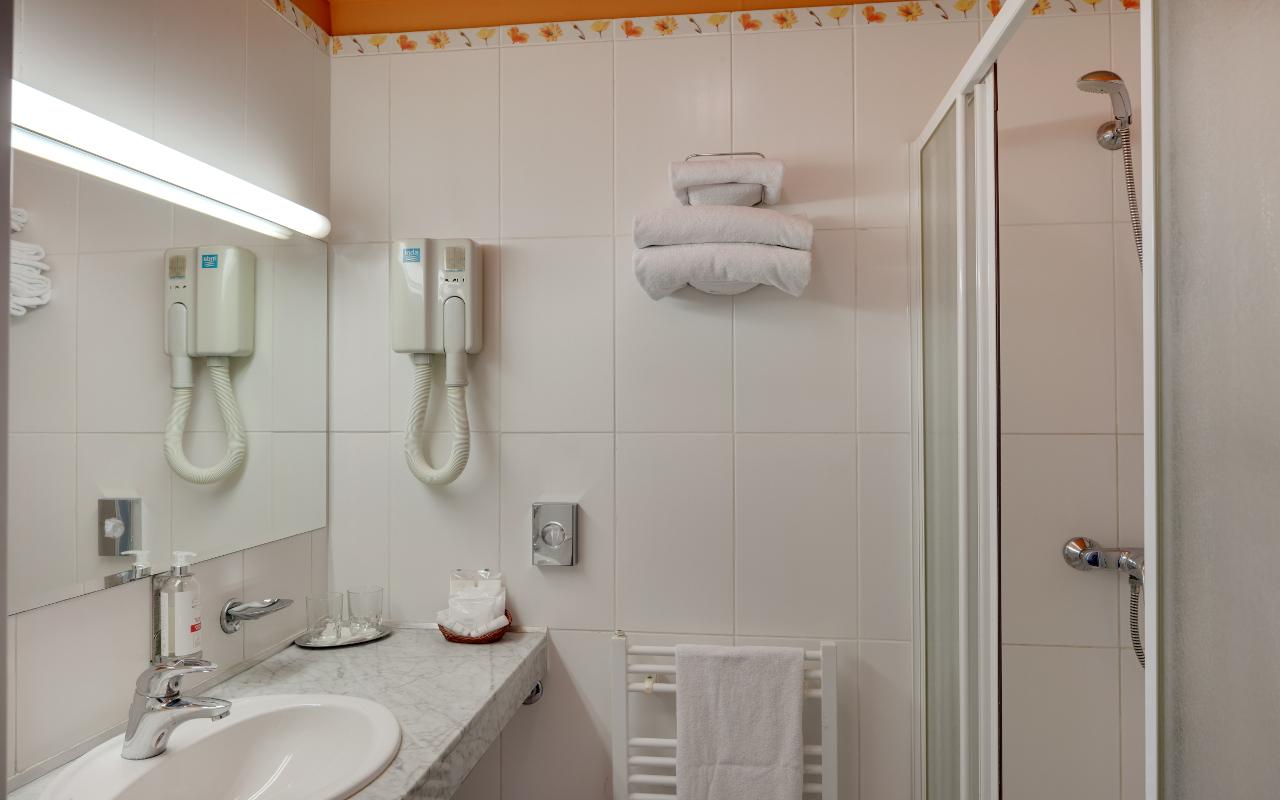 Superior_Bathroom