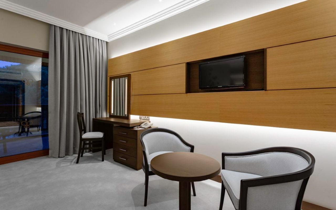 Superior_room2-min