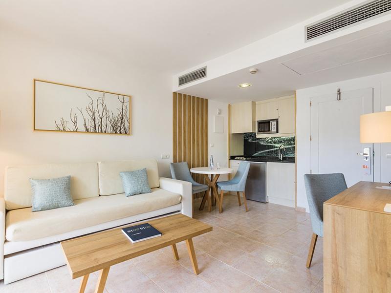 Swim Up Premium Apartment5