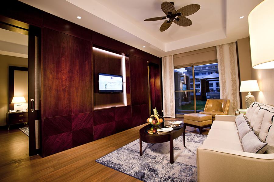 SwimUpSuite_Living Room