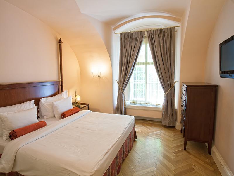 TWO BEDROOM SUITE3