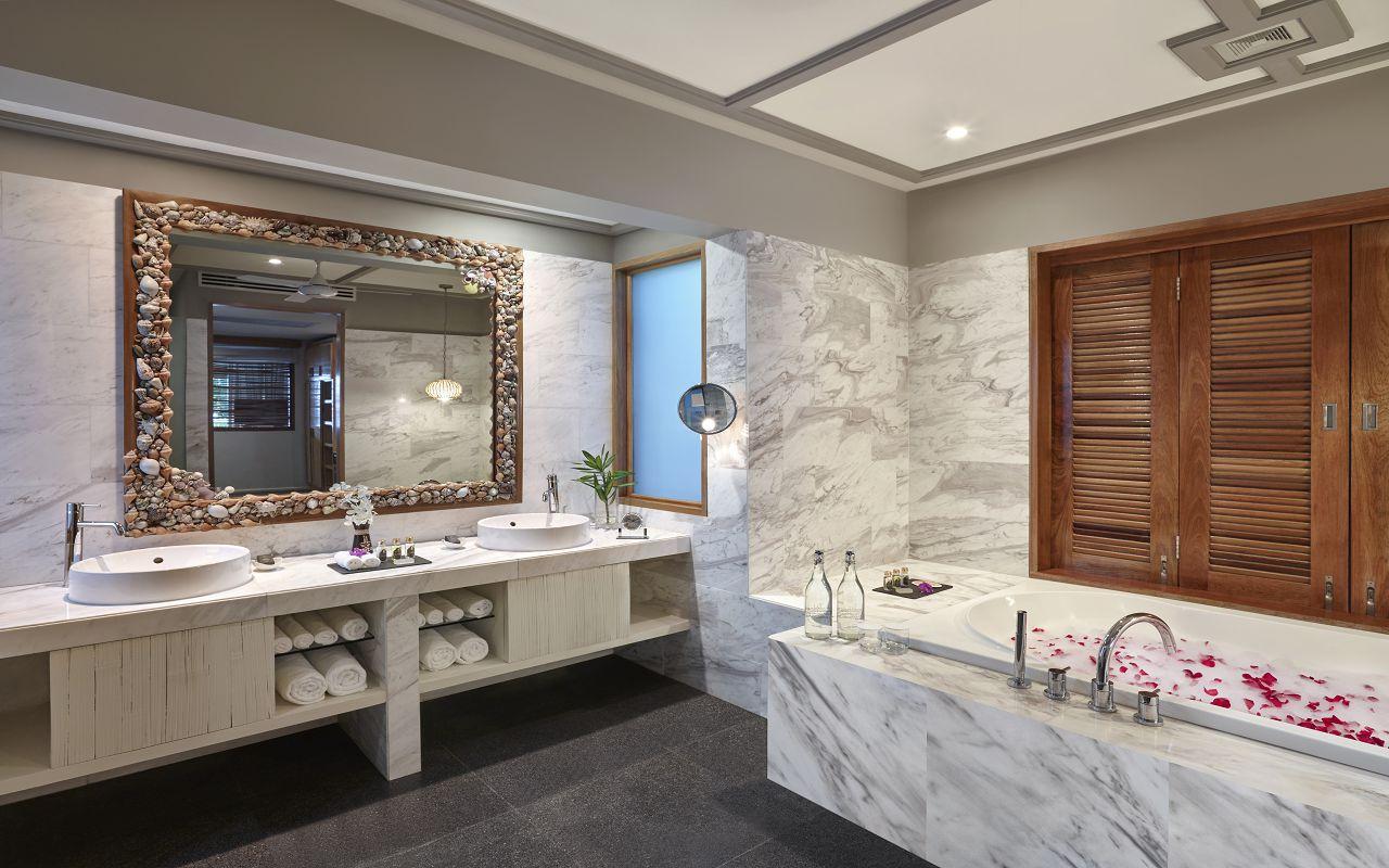 Taj Coral Reef Resort and Spa_Nirvana Presidential Suite-Bathroom
