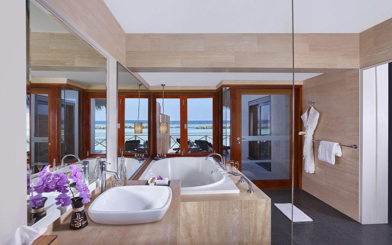 Taj Coral Reef Resort and Spa_Premium Water Villa-Bathroom