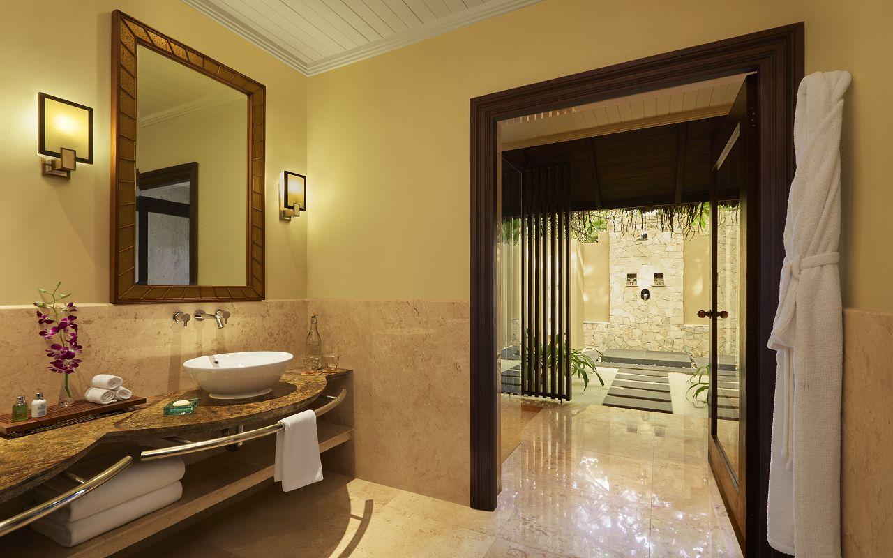 Taj Exotica Resort & Spa Maldives -Deluxe Beach Villa with Pool_Bathroom
