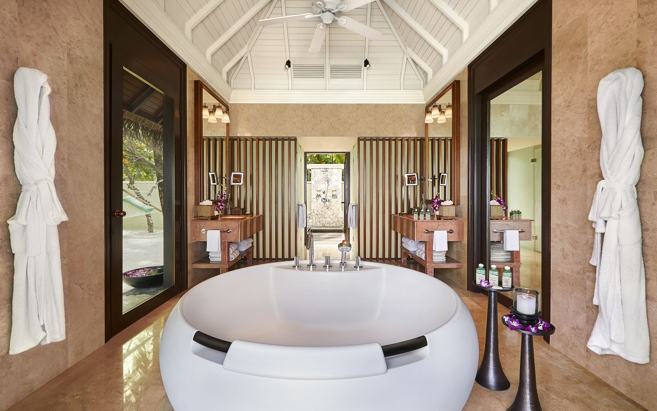 Taj Exotica Resort & Spa Maldives-Premium Villa with Pool_Bathroom