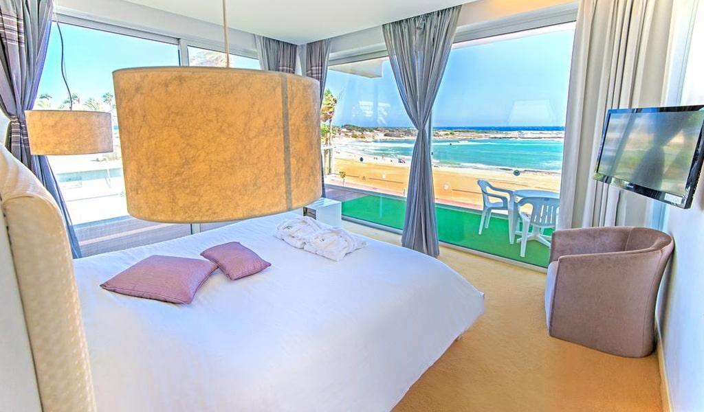 The Dome Beach Hotel (5)