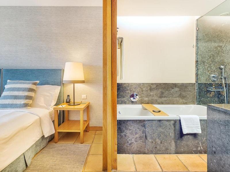 The Lake Spa Resort Hotel (8)