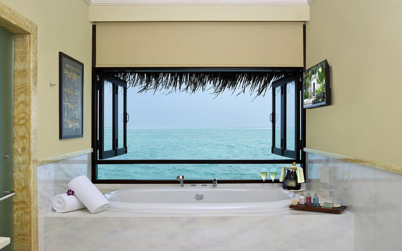 The Rehendi Presidential Overwater Suite with Pool_Bathroom