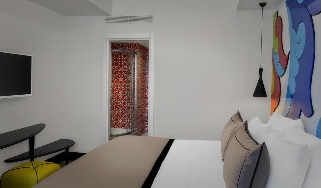 Three-Bedroom Family Suite 1-min