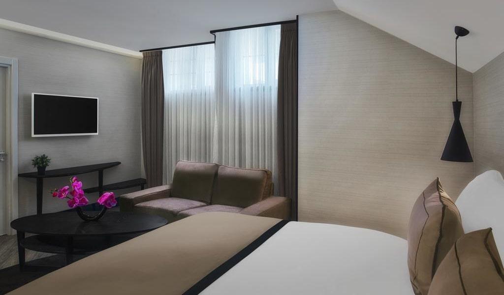 Three-Bedroom Family Suite 2-min