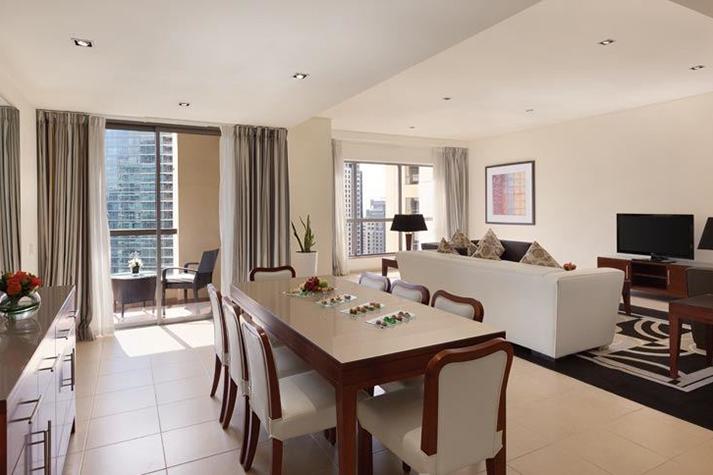 Three-bedroom apartment-suite