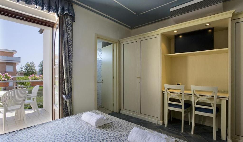 Triple-Room-2-min