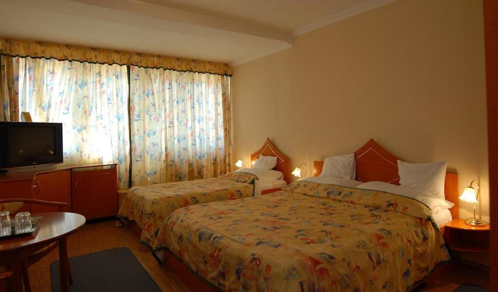 Triple Room -min