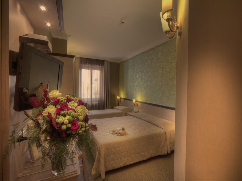 Triple Room with Shower2