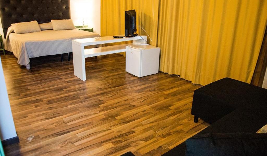 Triple Room with Terrace3-min