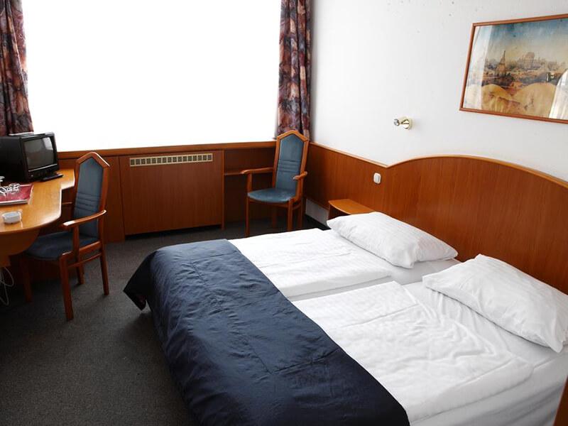 Triple Room1