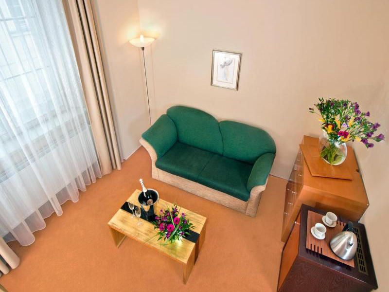 Triple Rooms and Suite