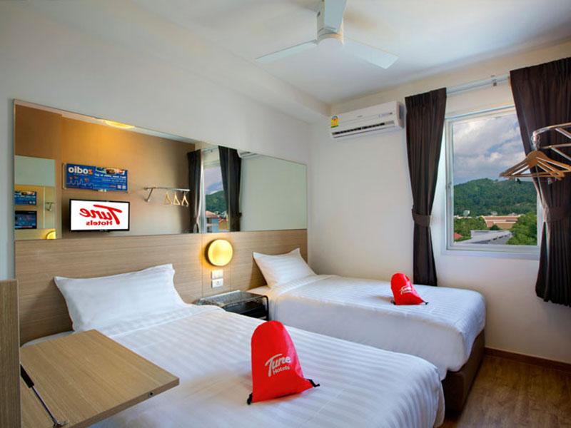 Tune-Hotel-Patong-3-phuket-thailand-room1
