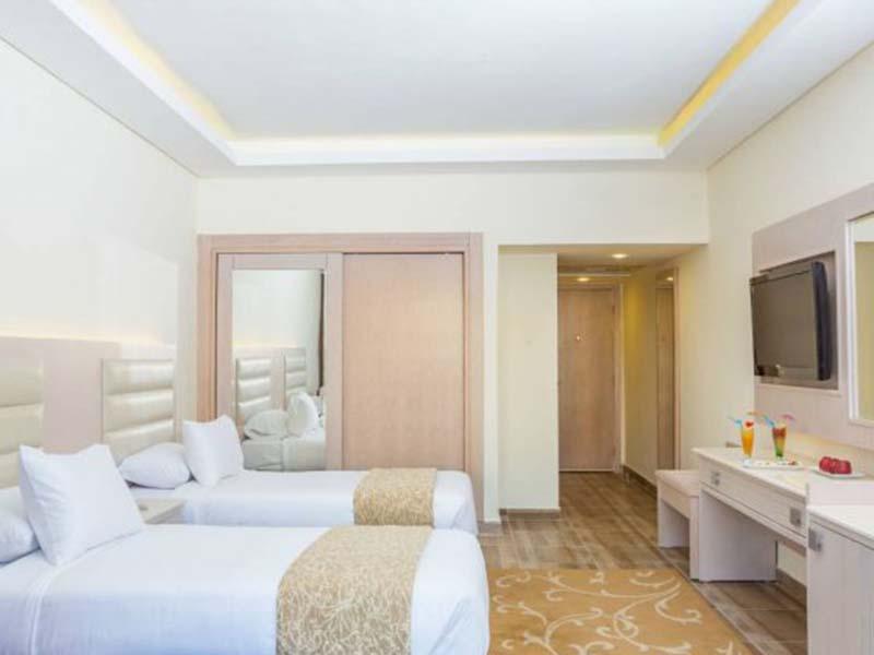 Twin-Room-3-560x560