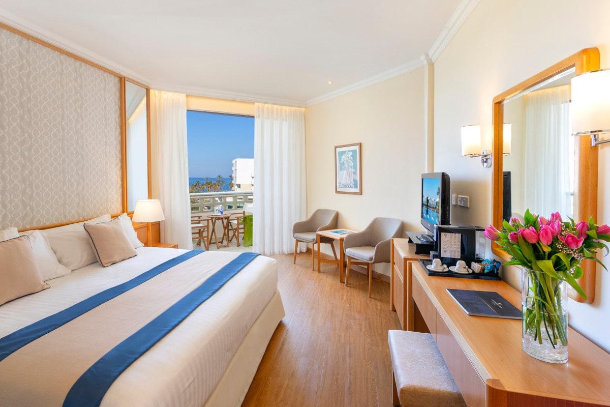 Twin Room Limited Sea View-min