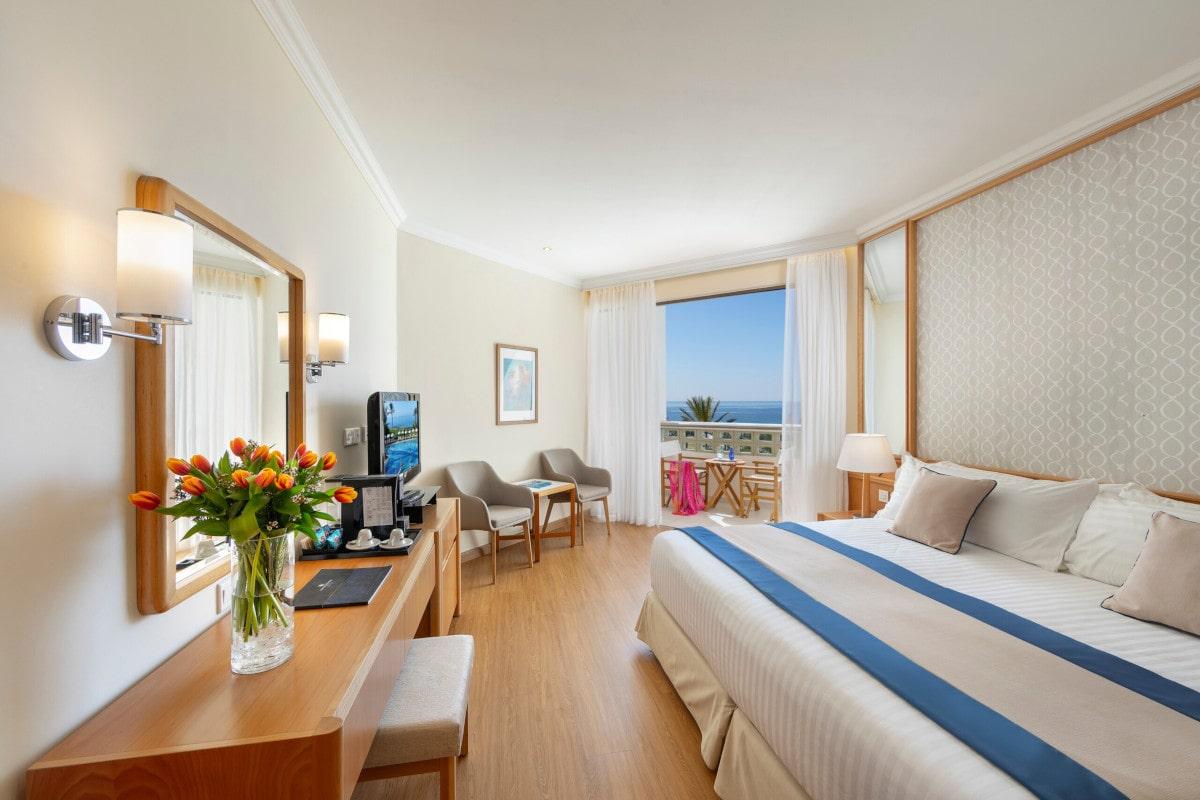 Twin Room Sea View-min