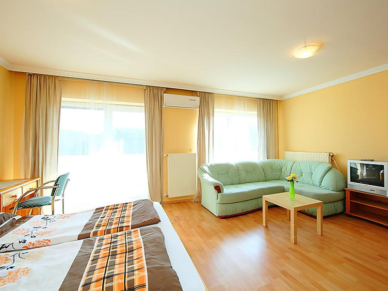 Two-Bedroom Apartment (4 Adults)5