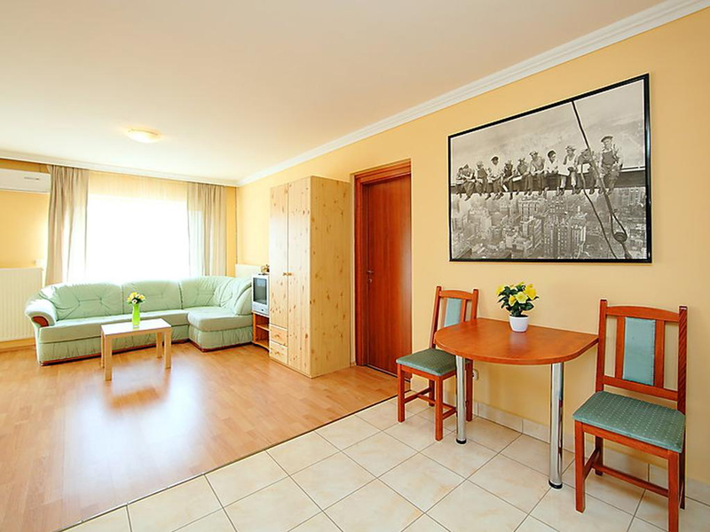 Two-Bedroom Apartment (4 Adults)6