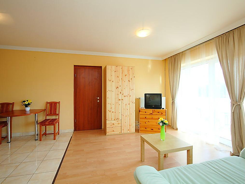 Two-Bedroom Apartment (4 Adults)7