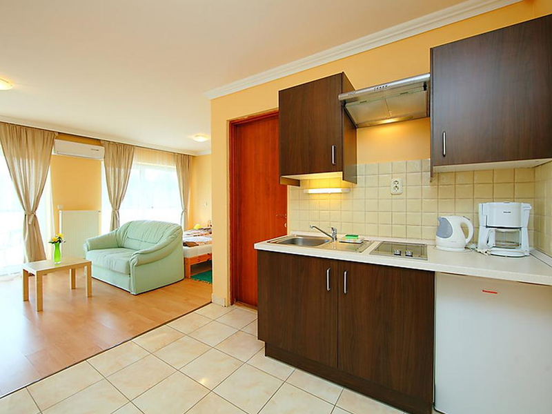 Two-Bedroom Apartment (4 Adults)8