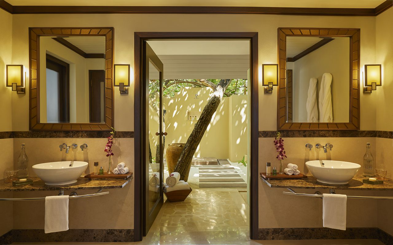 Two Bedroom Beach Suite with Spa and Pool_Bathroom