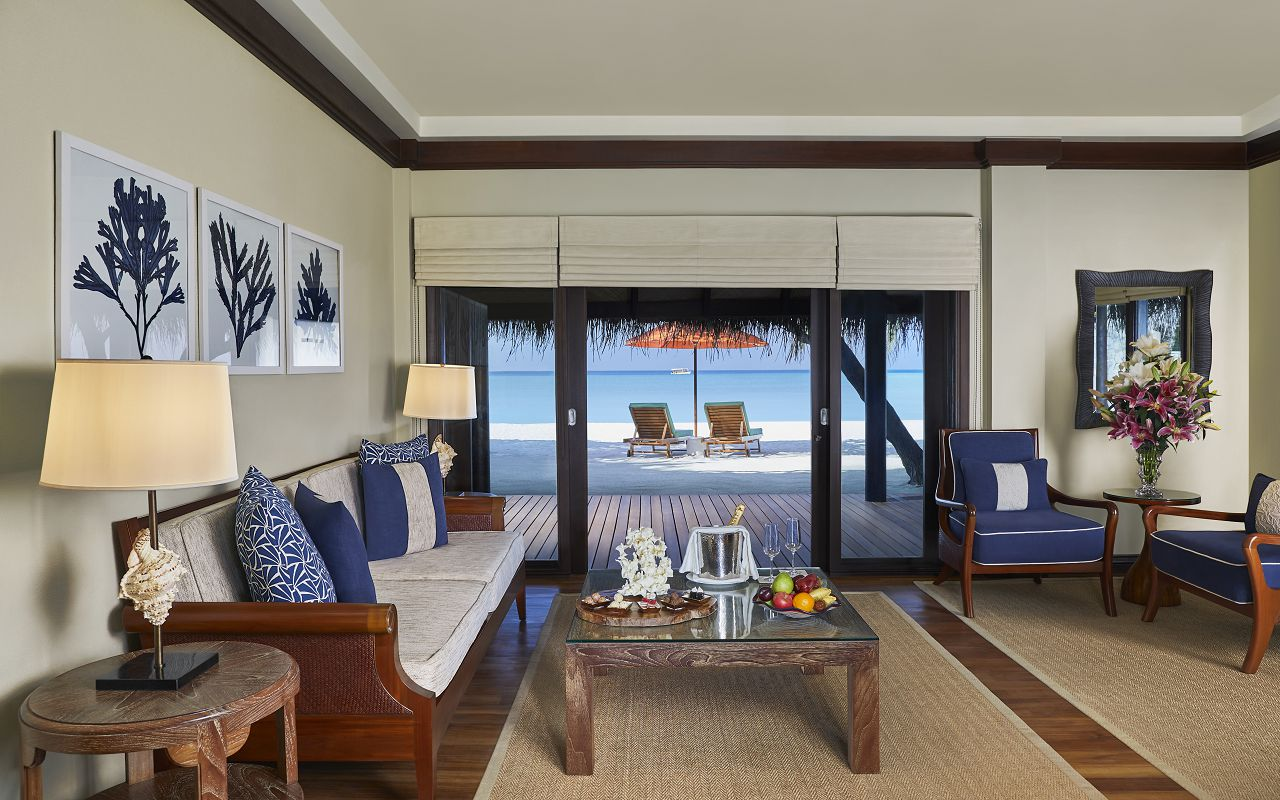 Two Bedroom Beach Suite with Spa and Pool_LivingArea