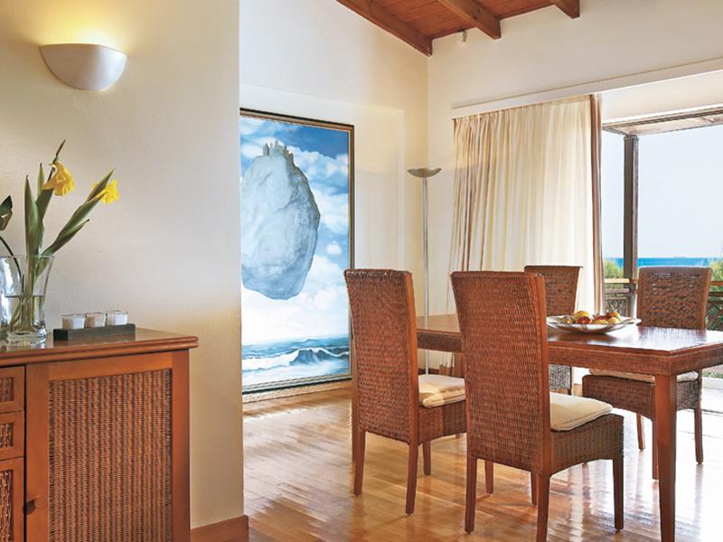 Two-Bedroom Bungalow Suite3