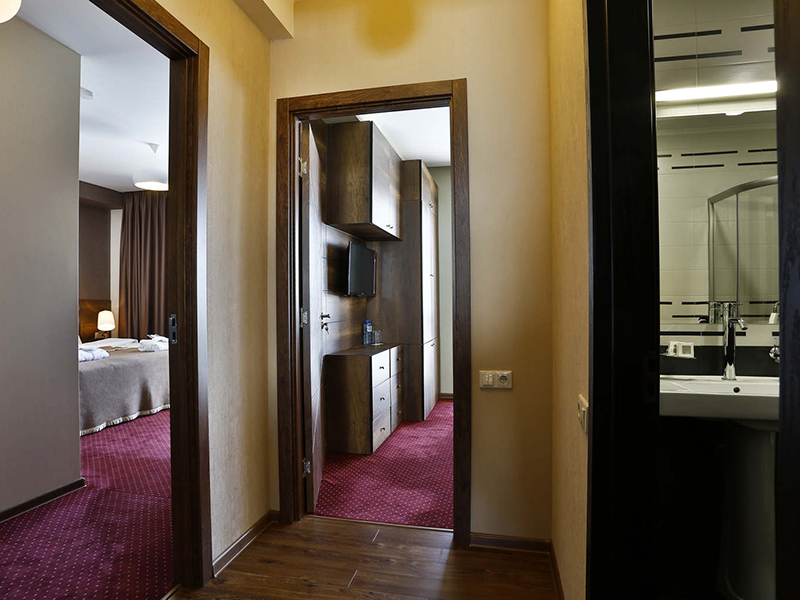 Two-Bedroom King Suite2
