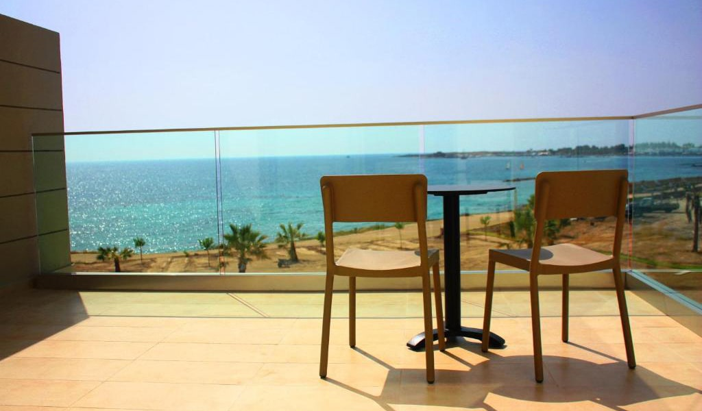 Two-Bedroom-Suite-with-Sea-View-3-min