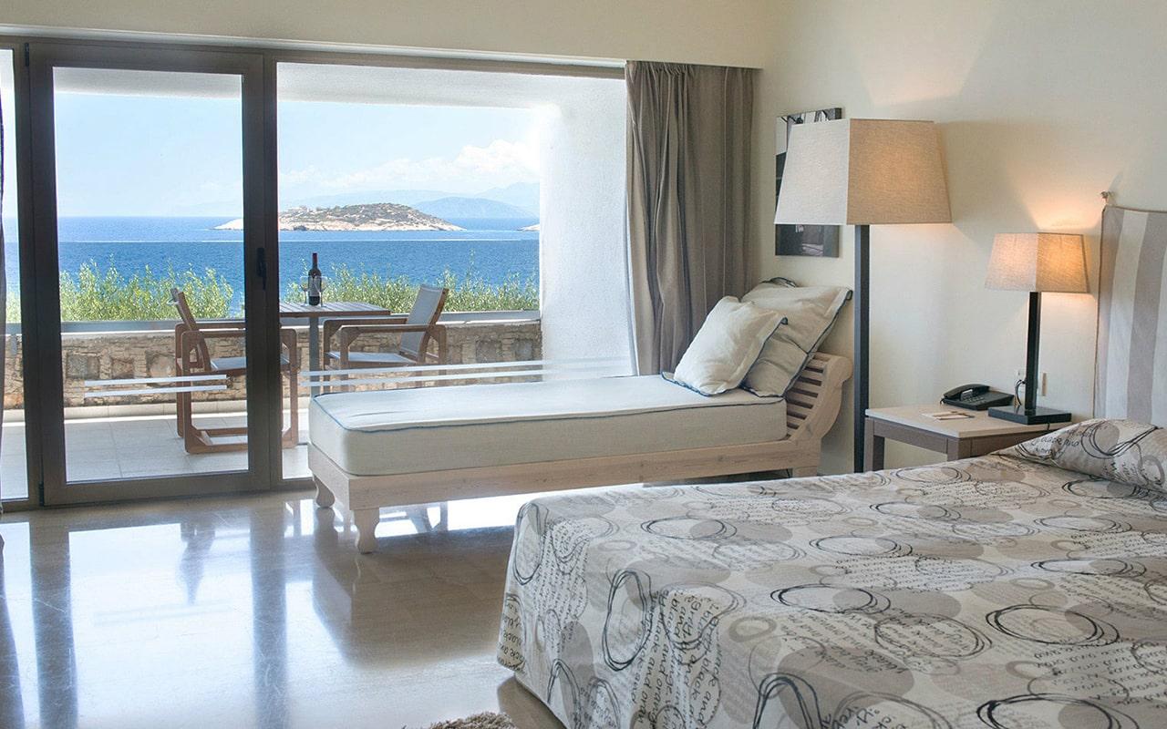 Upper-deck-Ocean-view-room-min