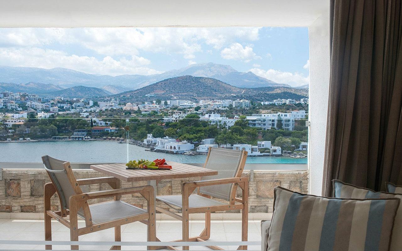 Upper-deck-Sea-view-room3-min