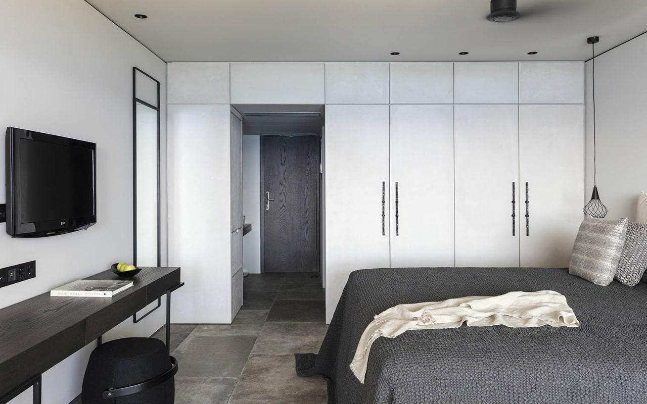 Upper-deck-infinity-blue-room3-min