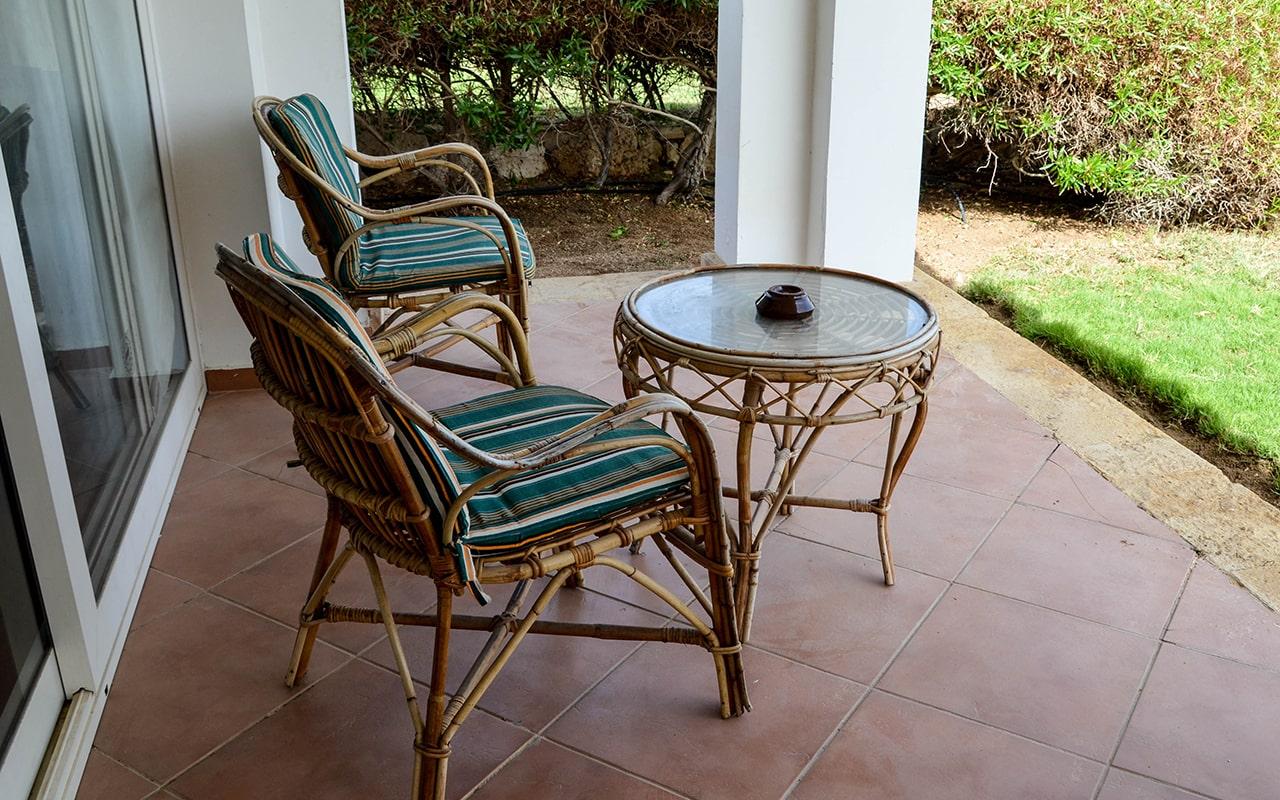 Vallas Garden View Room_03-min