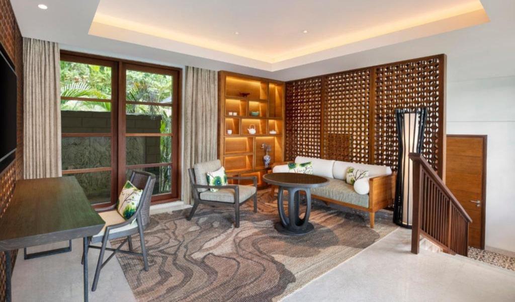 Villa, 1 King, Resort view, Balcony 3-min