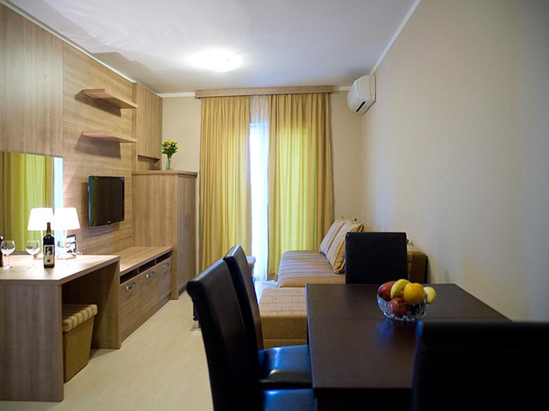 Villa V Lux (3)