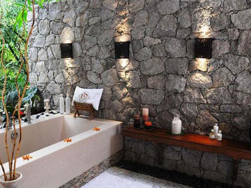 Villa-de-Charme---Bathroom