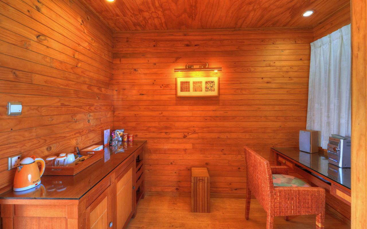 Water Bungalow (4)